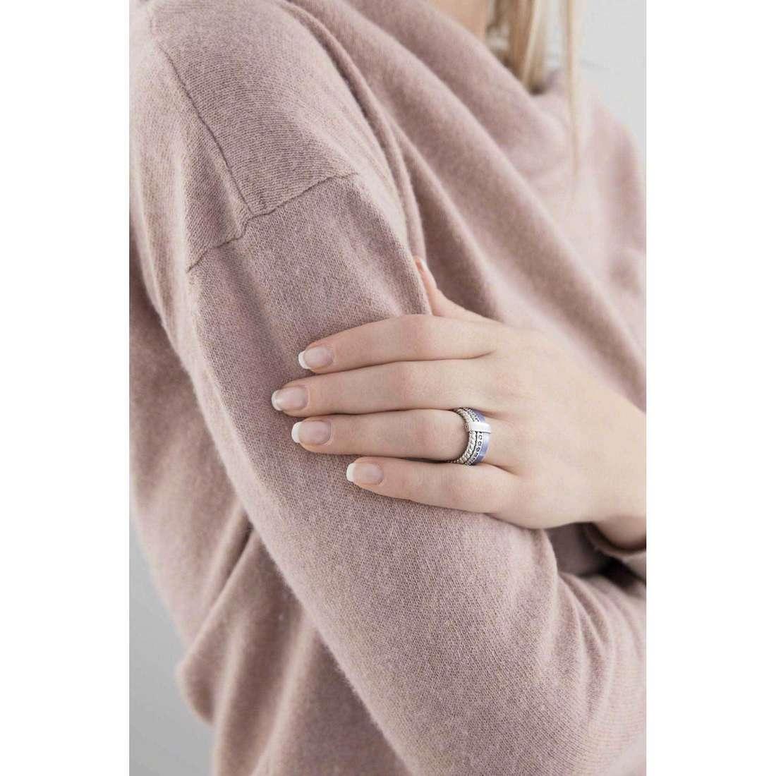 Breil anelli Torsion donna TJ1717 indosso