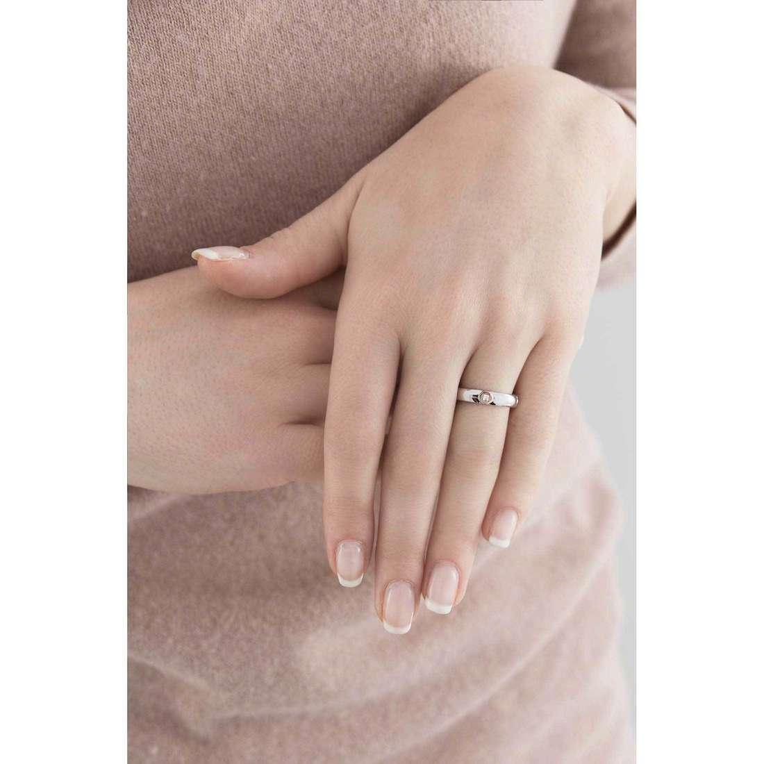Breil anelli Crossing Love donna TJ1555 indosso