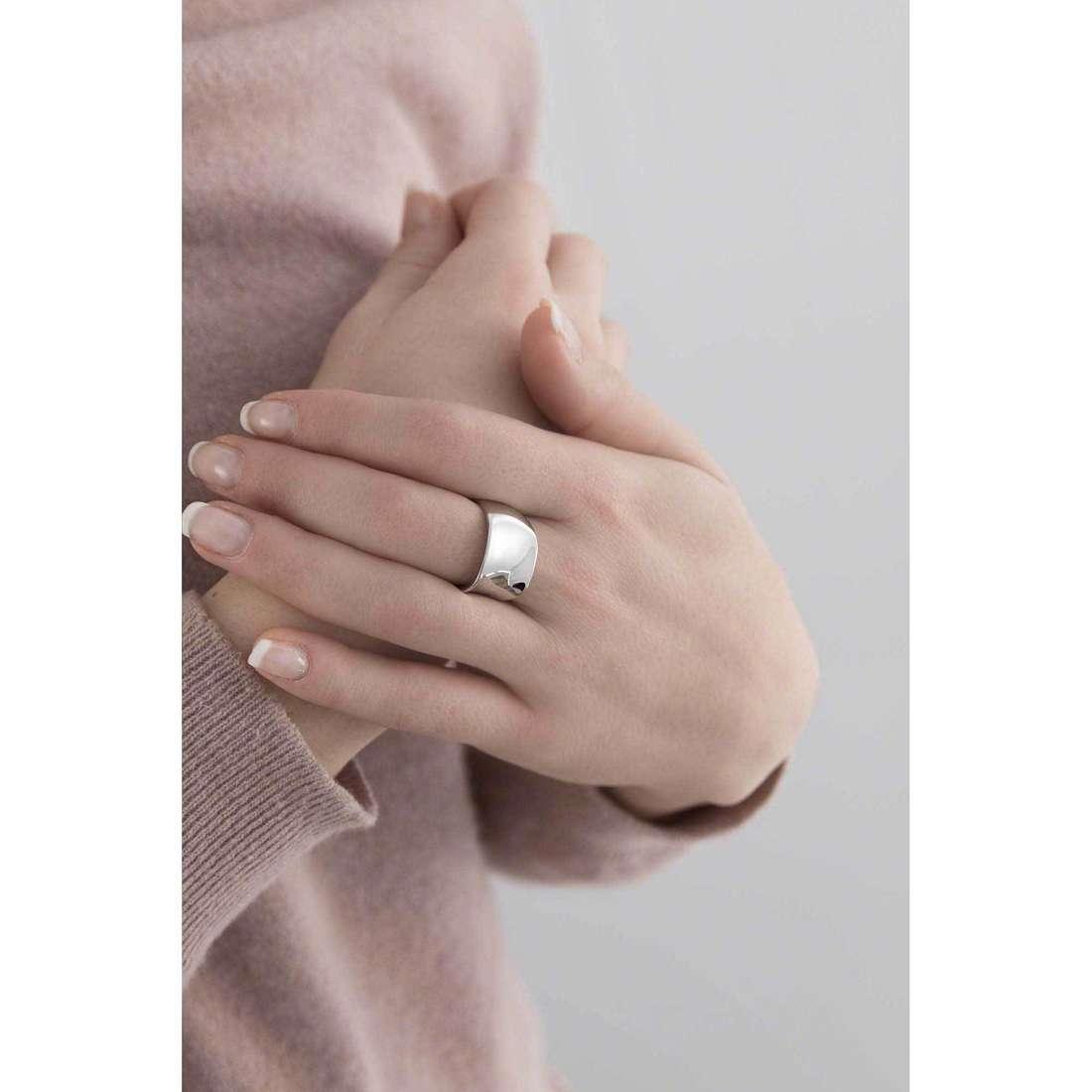 Breil anelli Liquid donna TJ1881 indosso