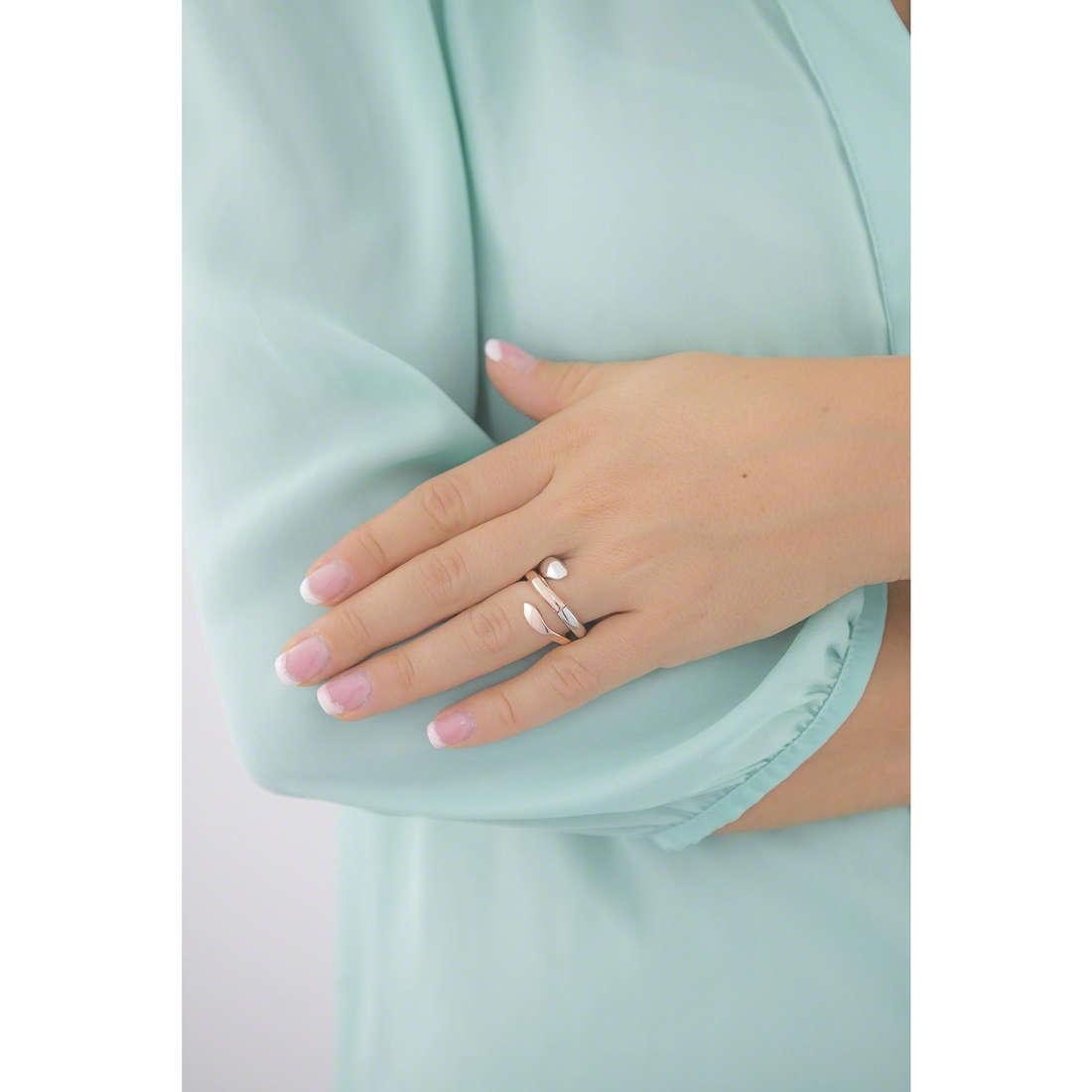 Breil anelli Pathos donna TJ1956 indosso