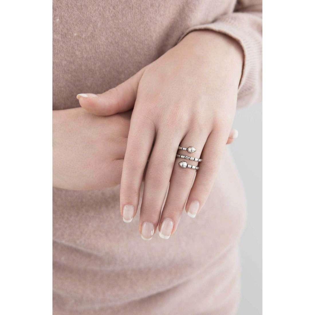 Breil anelli Royal donna TJ1845 indosso