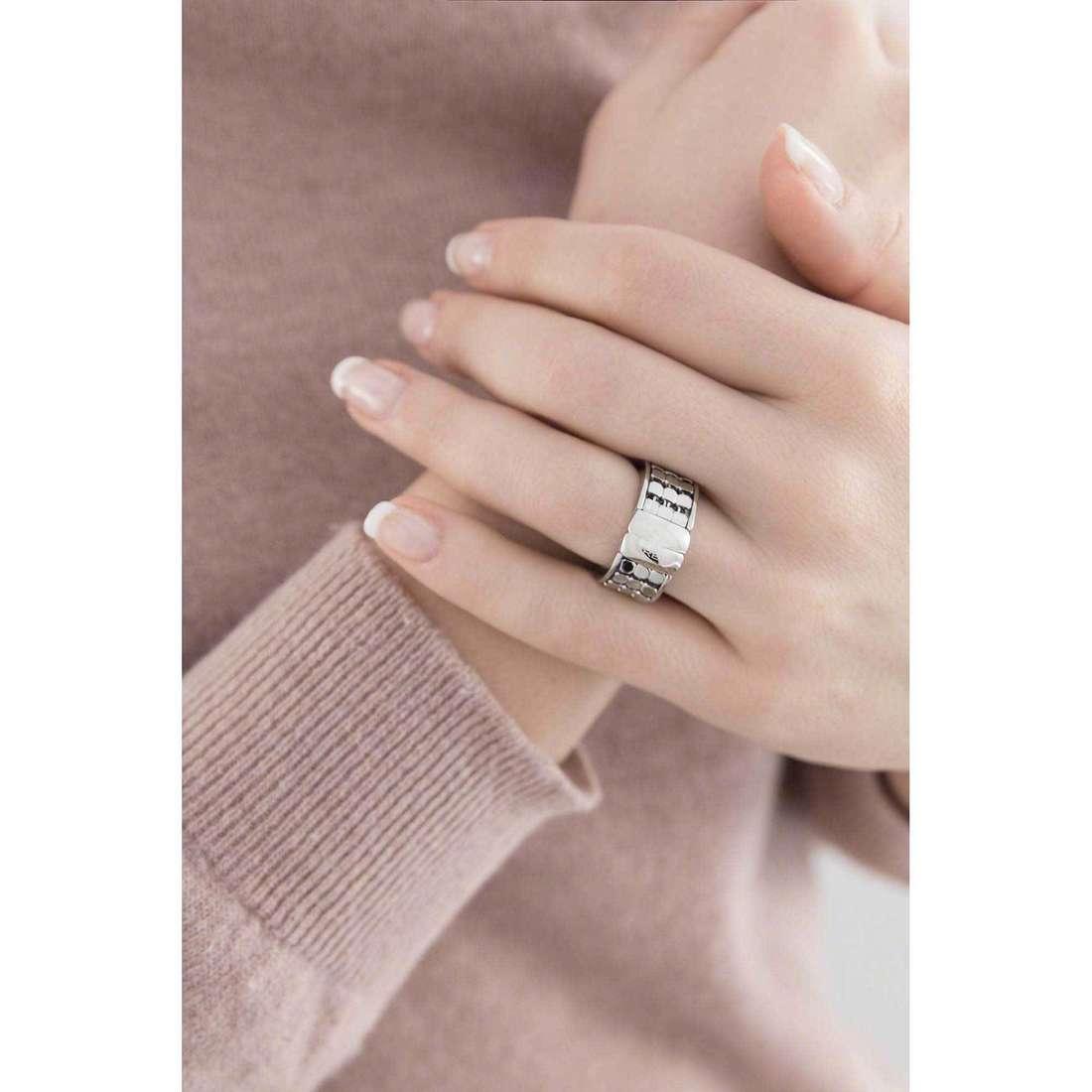Breil anelli Steel Silk donna TJ1356 indosso