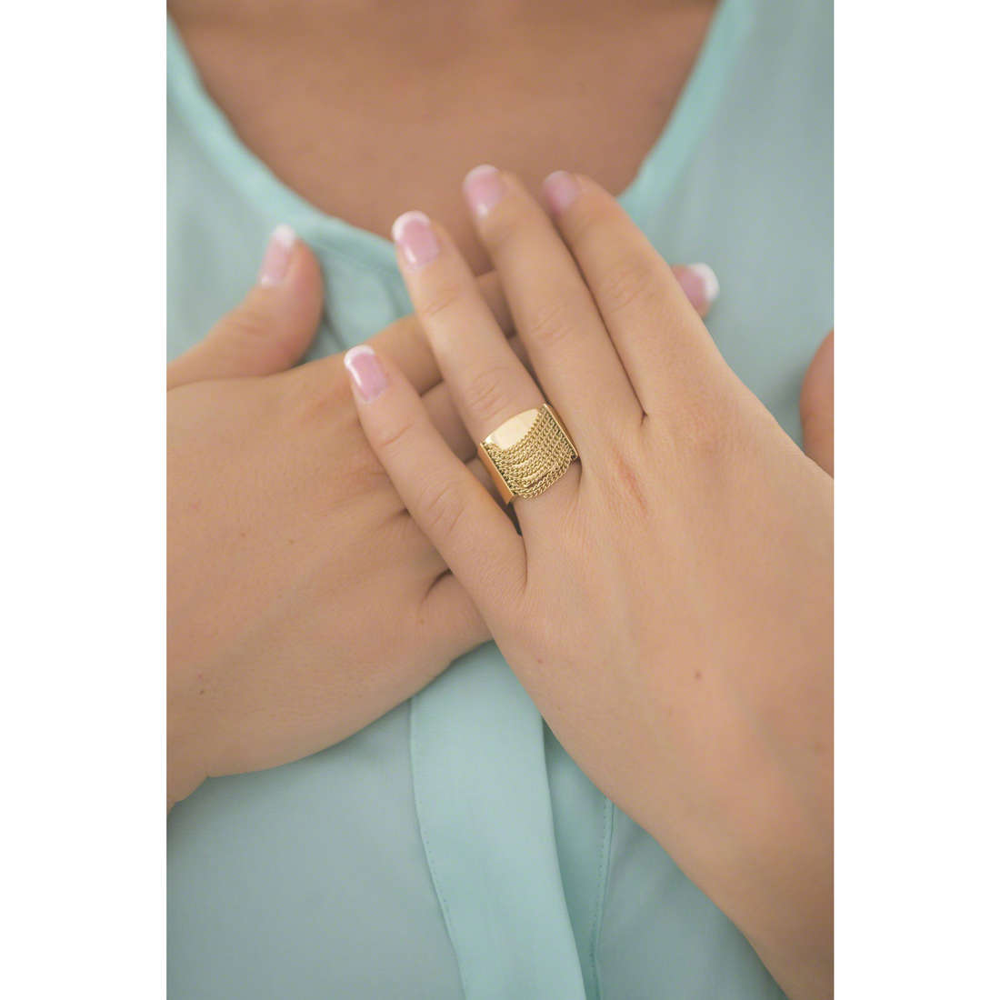 Michael Kors anelli donna MKJ5795710504 indosso