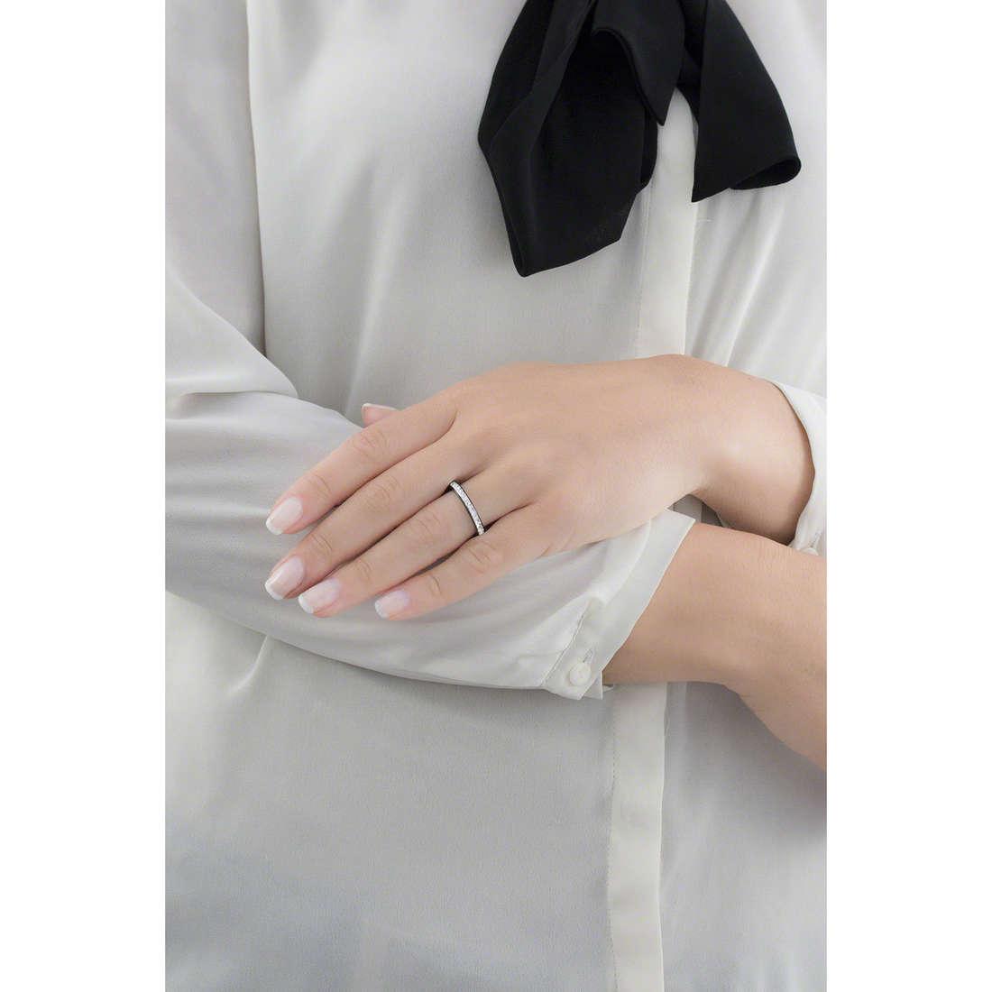 Brosway bagues Tring Black Edition femme BTGC71B indosso