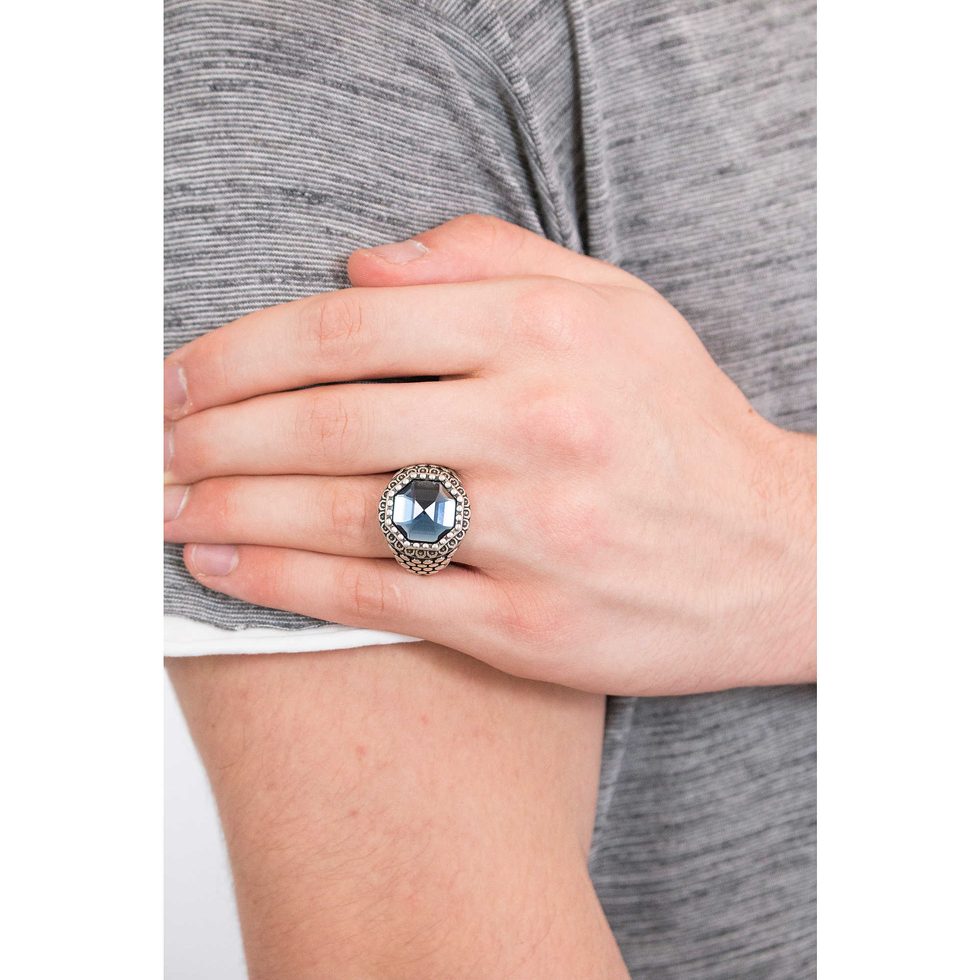 taille 10 bague homme