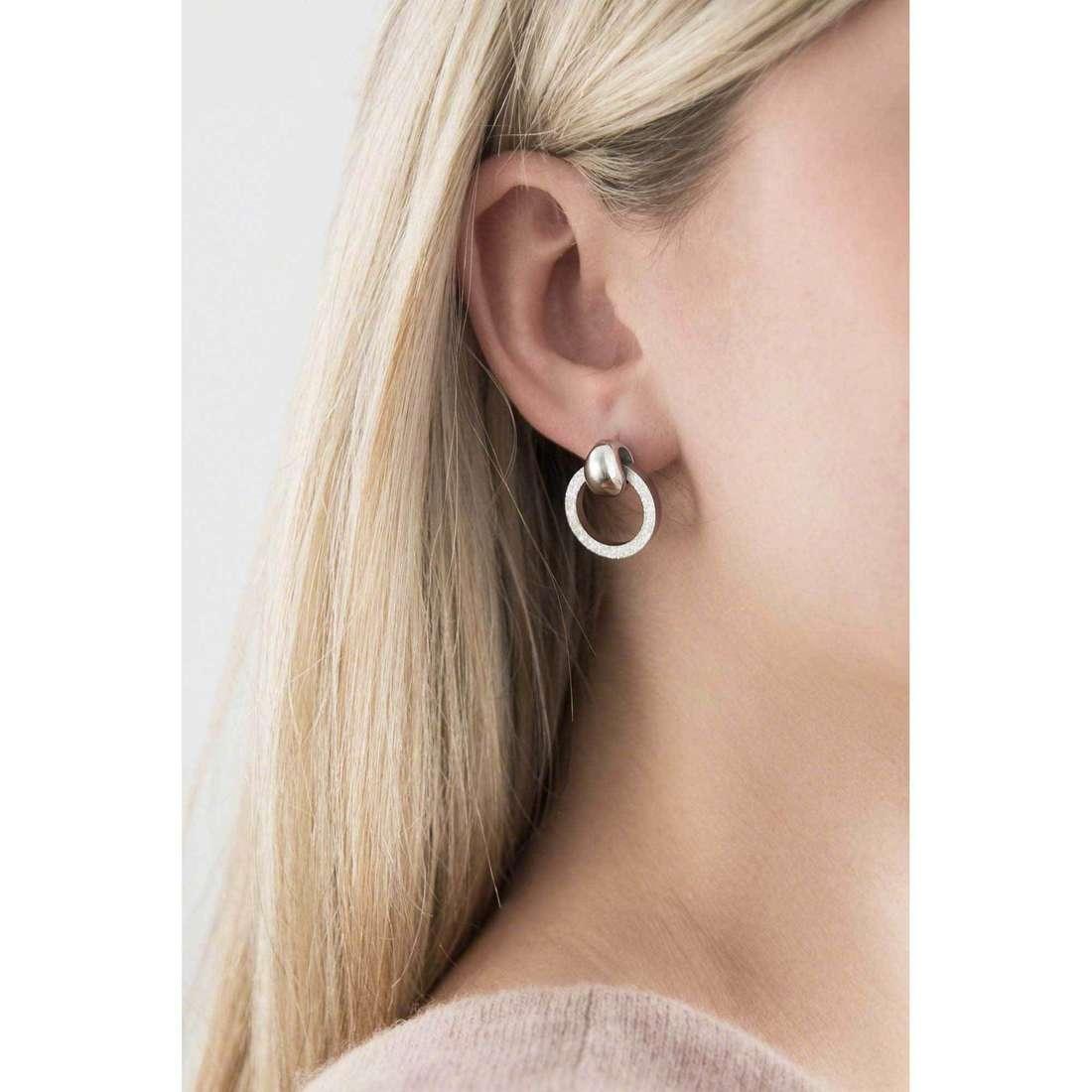 Breil boucles d'oreille Breilogy femme TJ1691 indosso