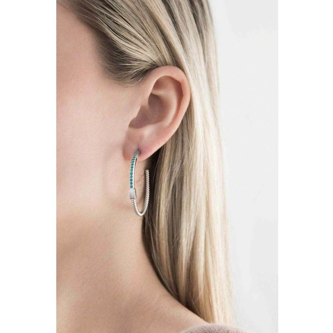 Breil boucles d'oreille Torsion femme TJ1733 indosso