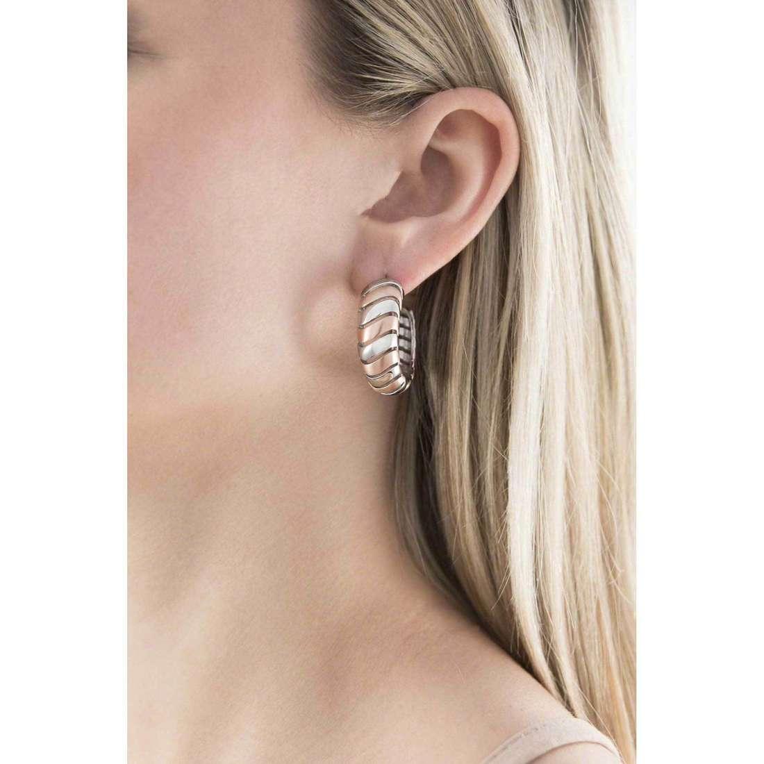 Breil boucles d'oreille Nouvelle Vague femme TJ1438 indosso