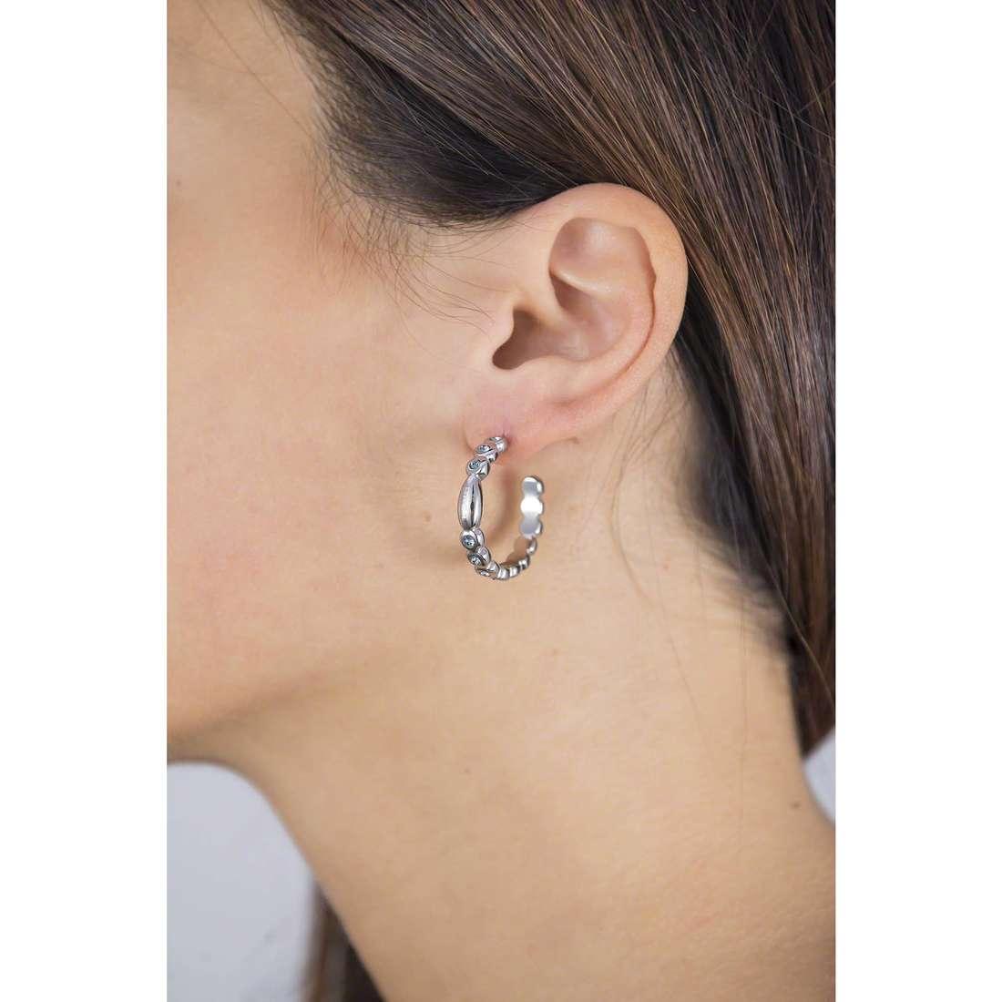 Breil boucles d'oreille Rolling Diamonds femme TJ1573 indosso