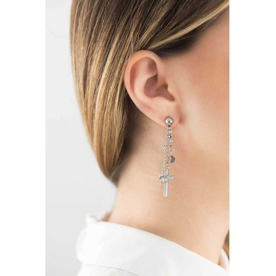 Brosway boucles d'oreille Dogma femme BDO22 indosso