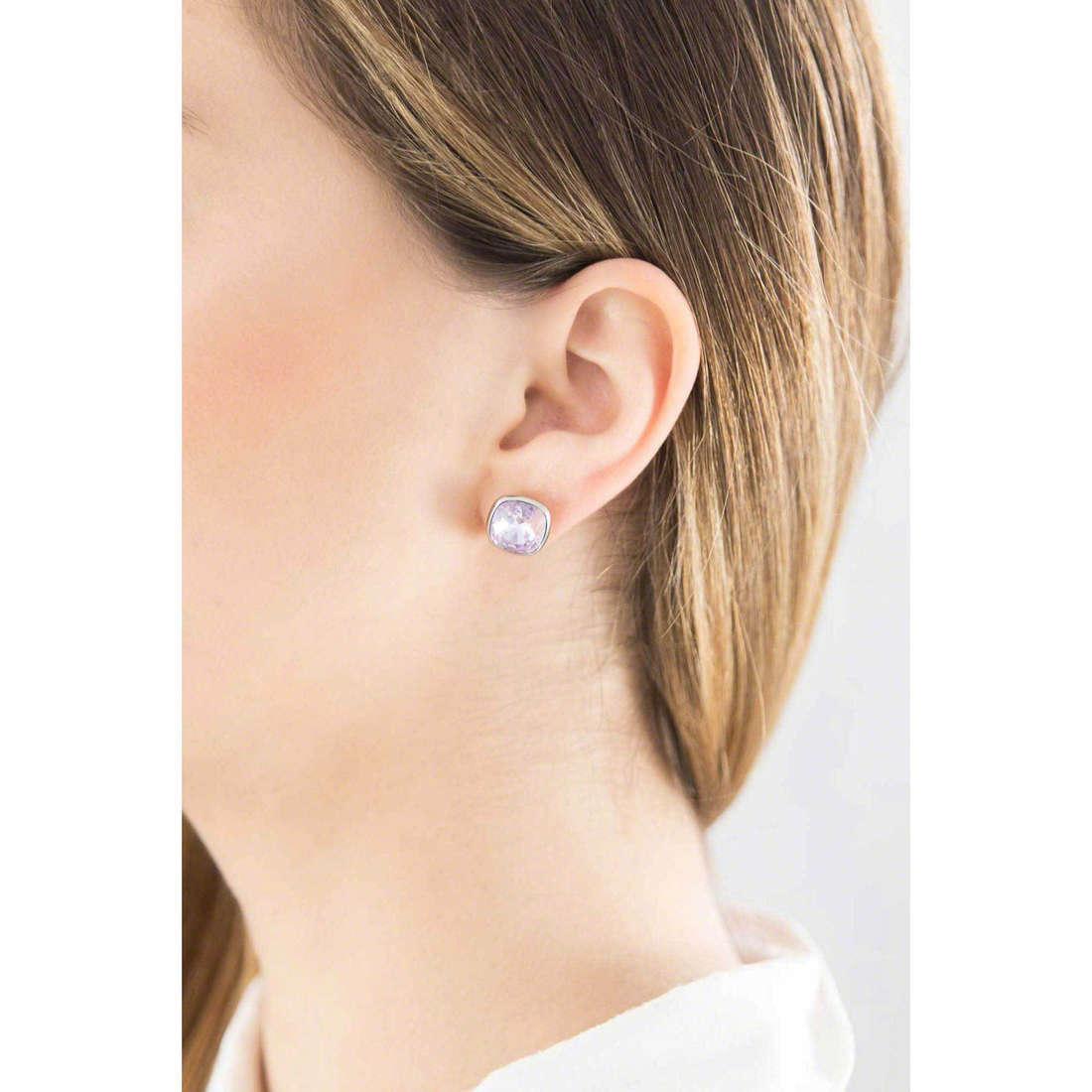Brosway boucles d'oreille E-Tring femme BRT26 indosso