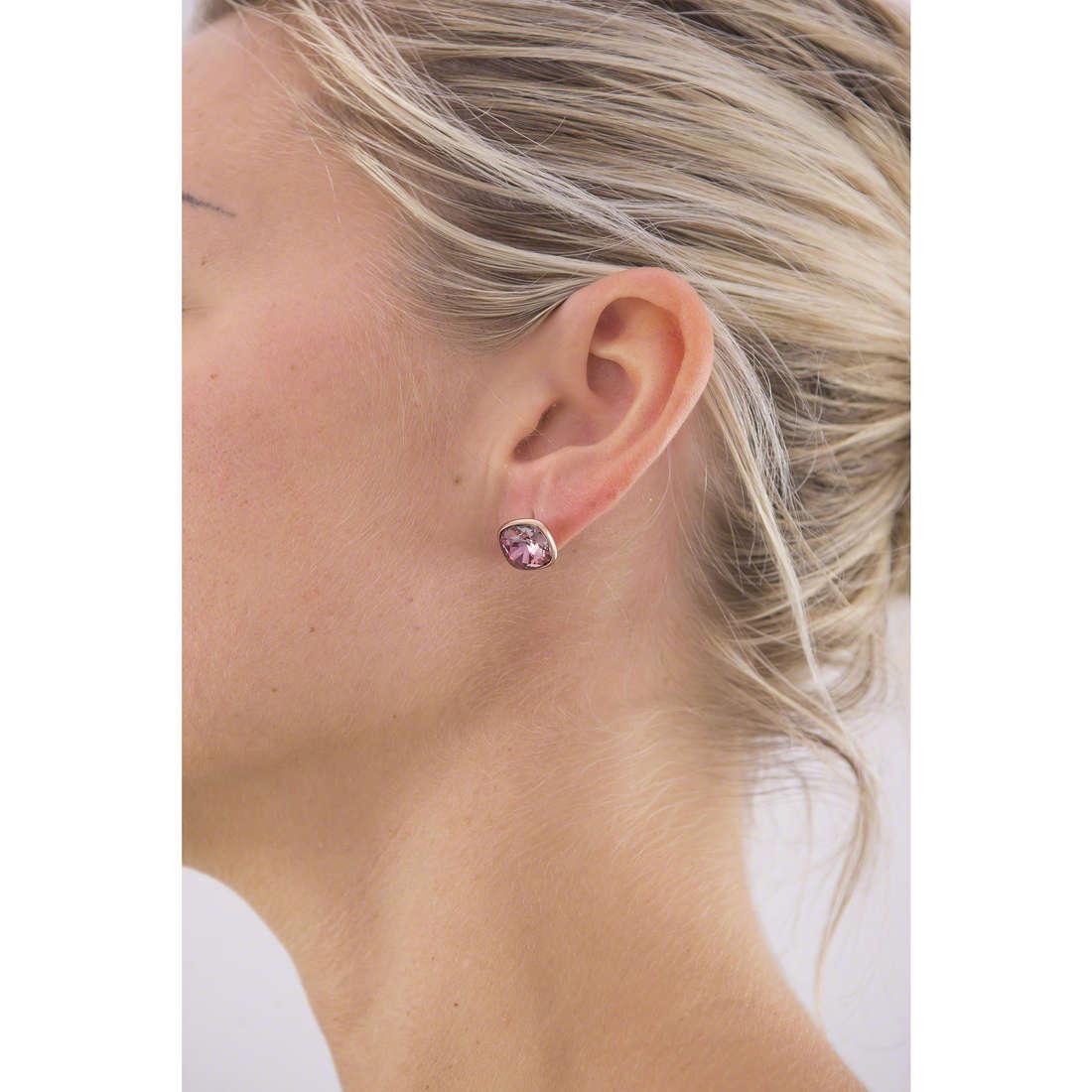 Brosway boucles d'oreille E-Tring femme BRT28 indosso