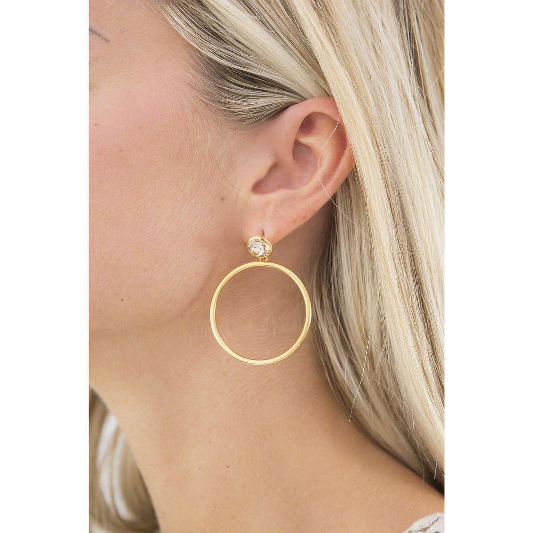 Brosway boucles d'oreille E-Tring femme BRT30 indosso