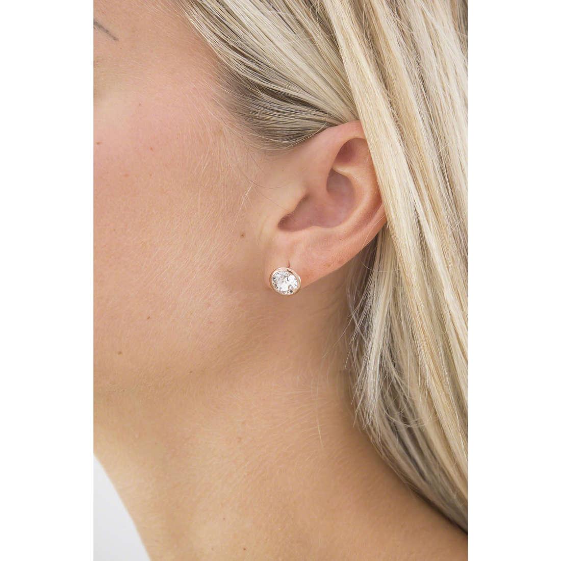 Brosway boucles d'oreille E-Tring femme BRT33 indosso