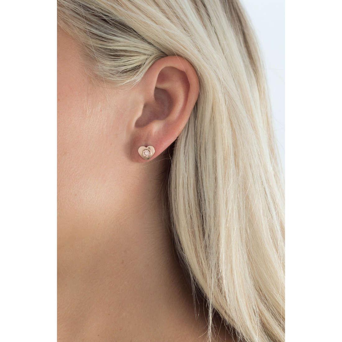 Brosway boucles d'oreille Epsilon femme BEO27 indosso