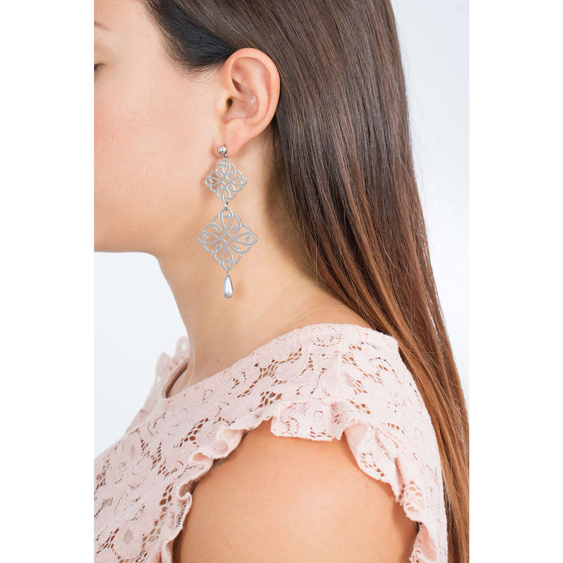 Brosway boucles d'oreille Persia femme BRS22 indosso