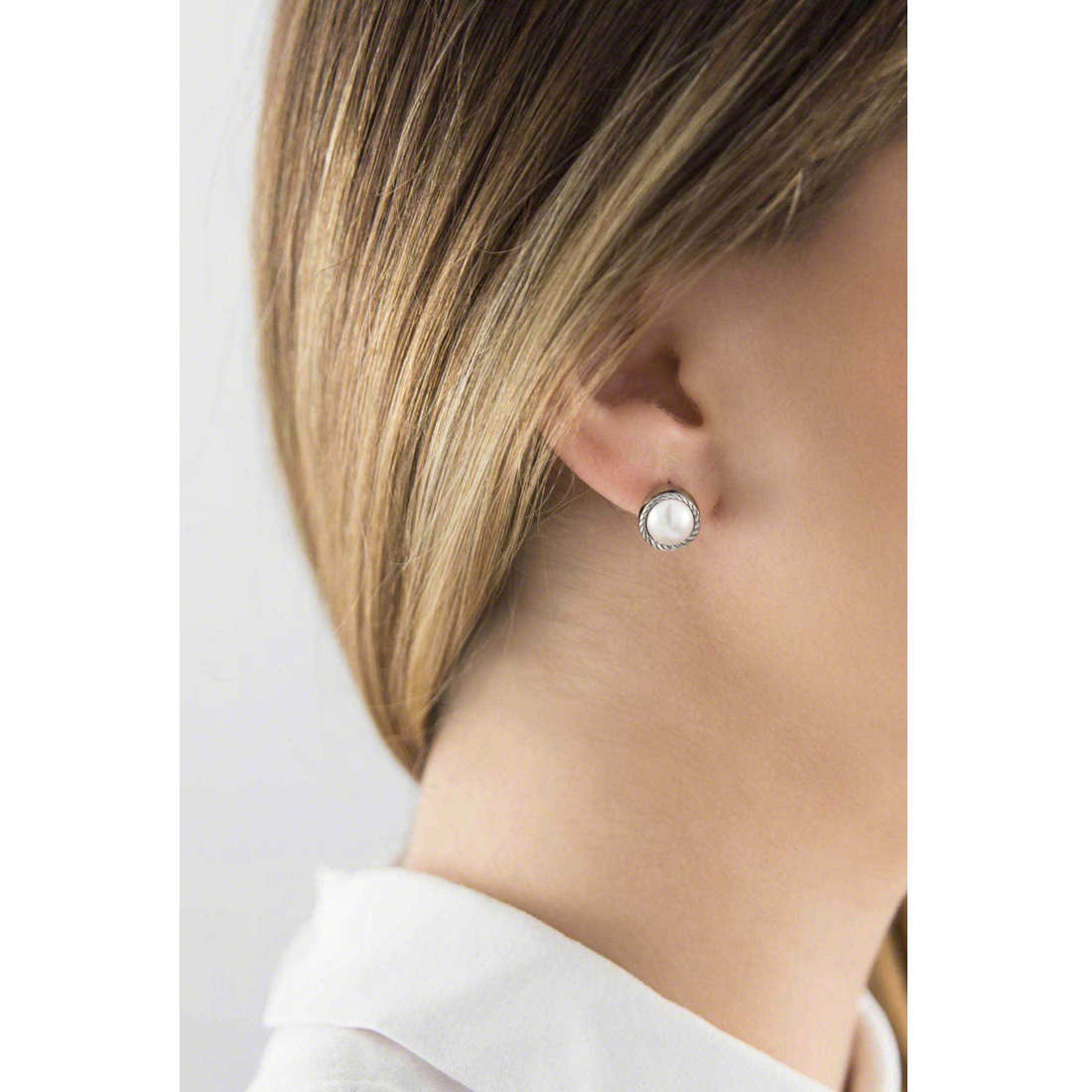 Brosway boucles d'oreille Riflessi femme BRF24 indosso