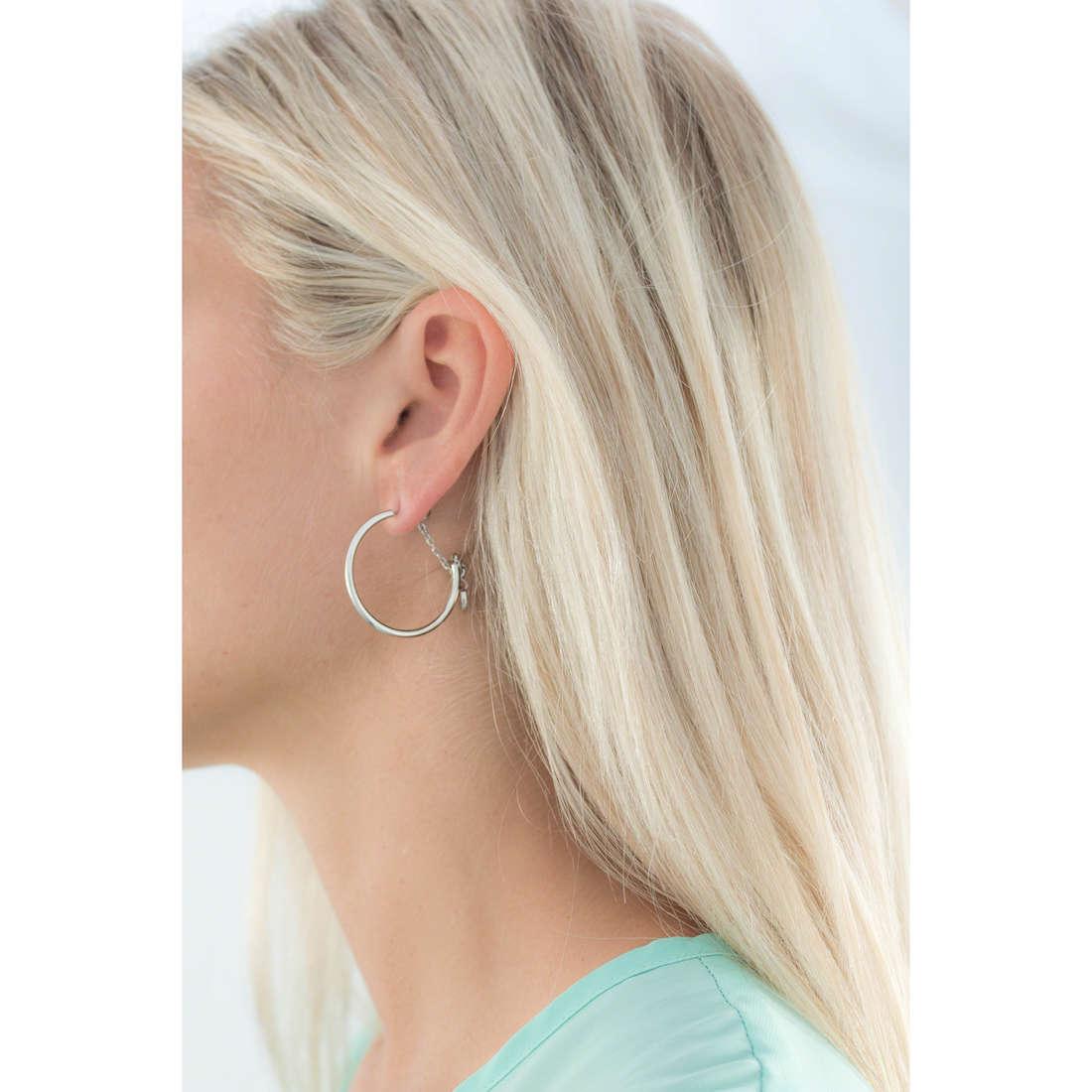 Brosway boucles d'oreille Tres Jolie Mini femme BTJM136 indosso