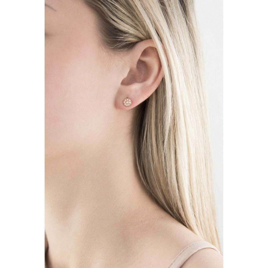 Fossil boucles d'oreille Fall 2013 femme JF00830791 indosso