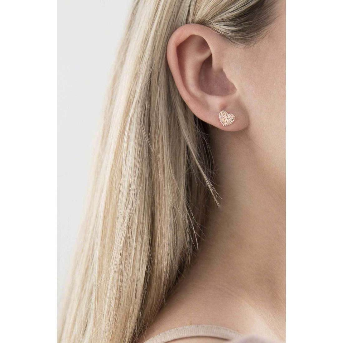 Fossil boucles d'oreille Spring 14 femme JF01151791 indosso
