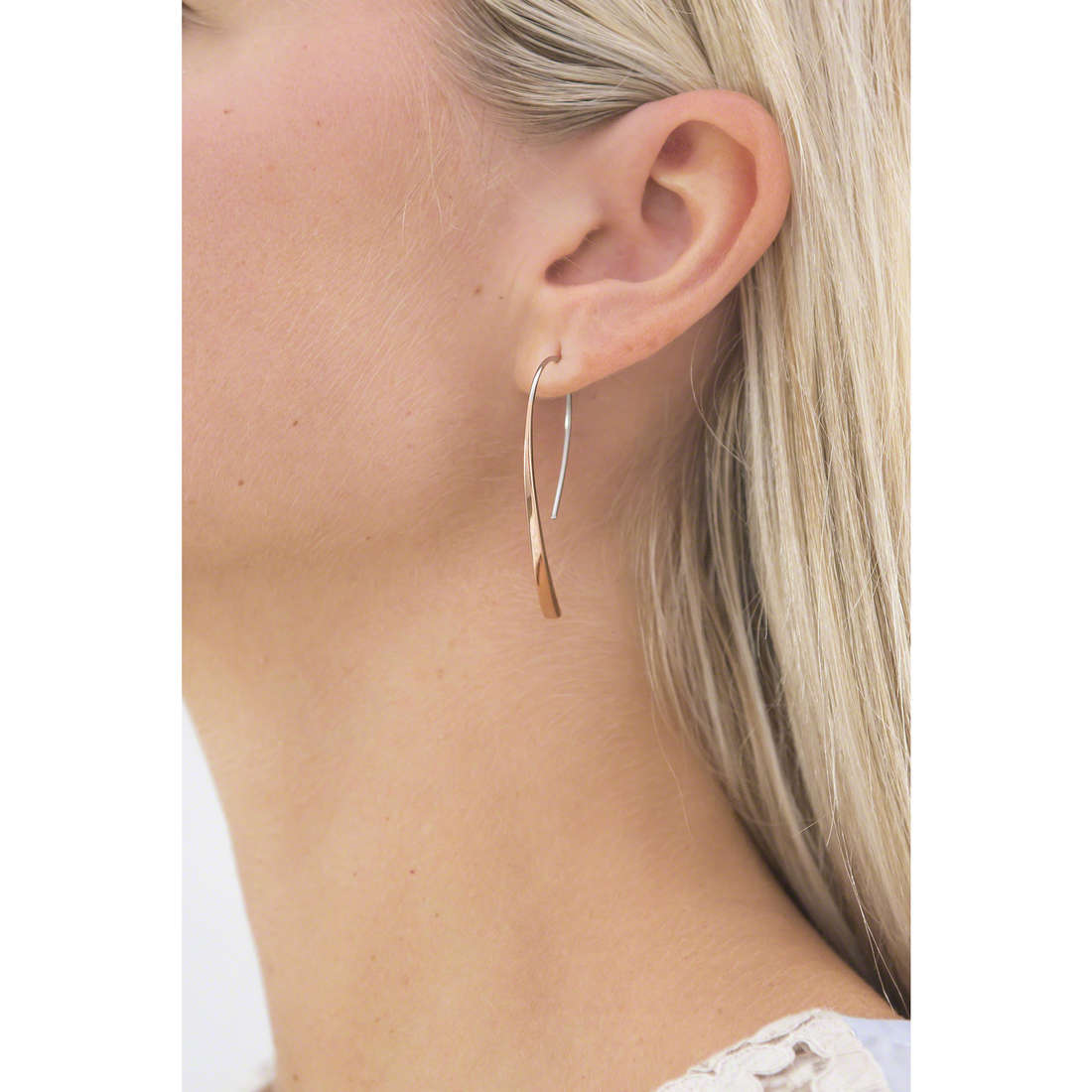 Fossil boucles d'oreille Spring 15 femme JF01703791 indosso