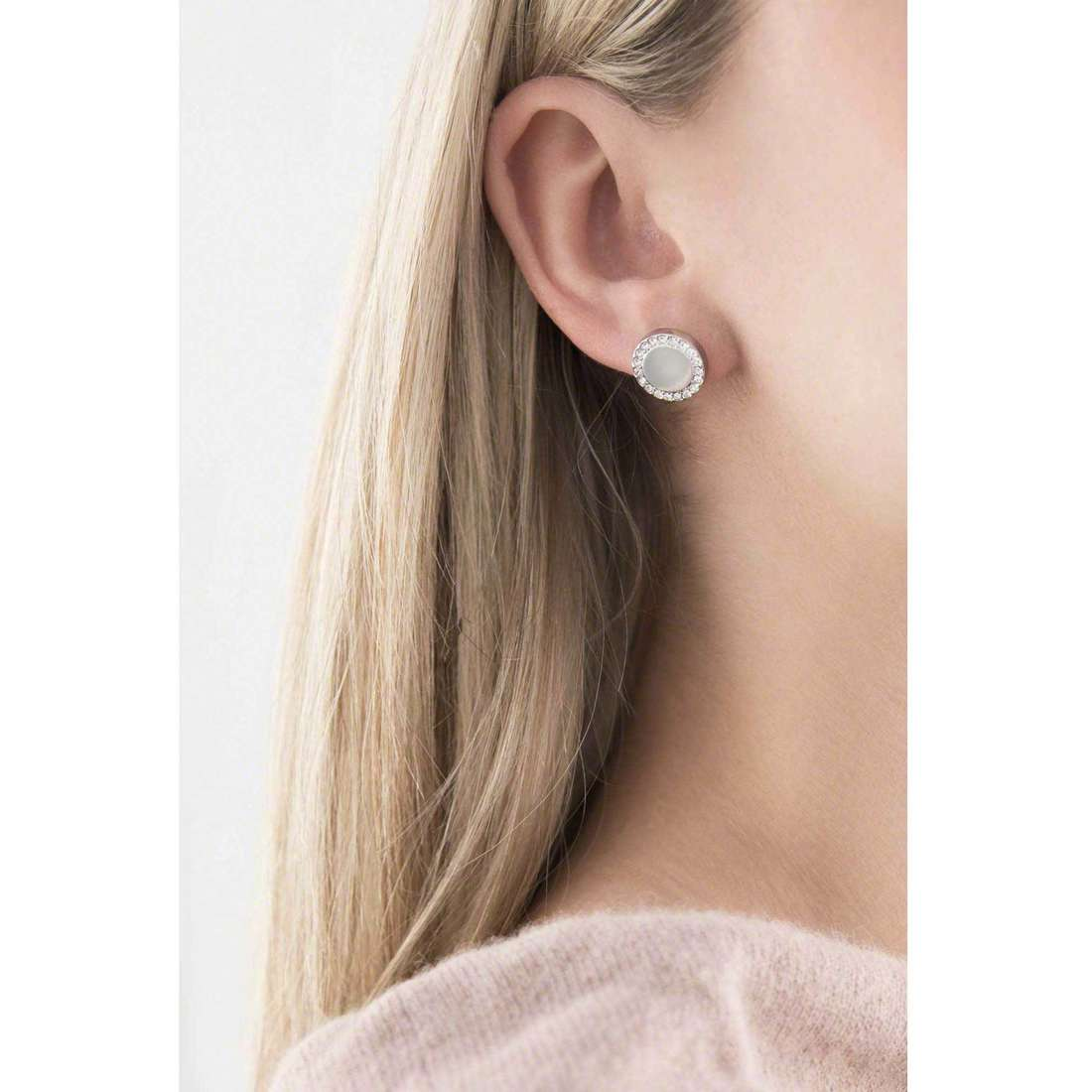 Fossil boucles d'oreille Spring 15 femme JF01791040 indosso