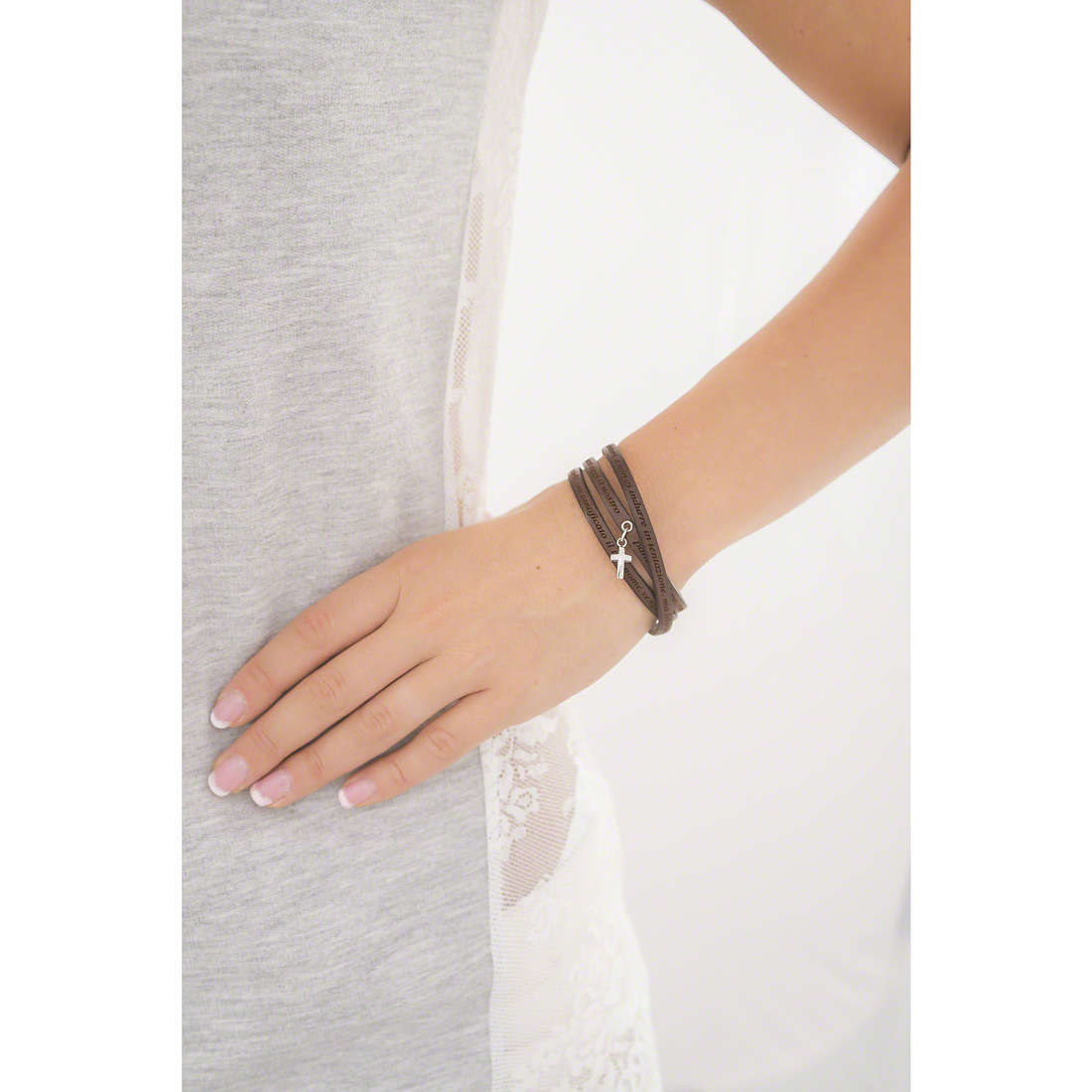 Amen bracciali Padre Nostro Italiano donna AS-PNIT05-57 indosso