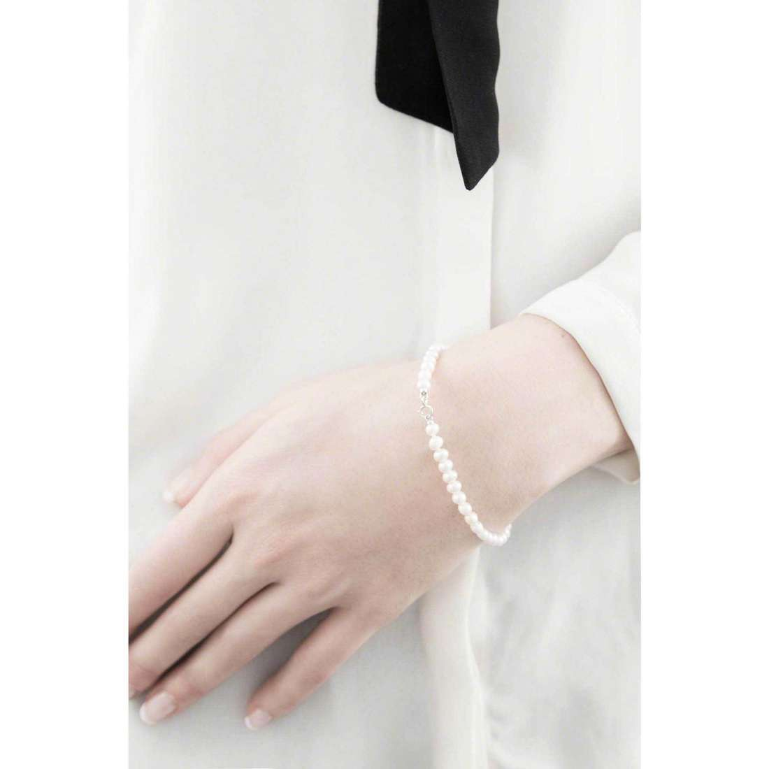 Comete bracciali Perle Easy Basic donna BRQ 108 AM indosso