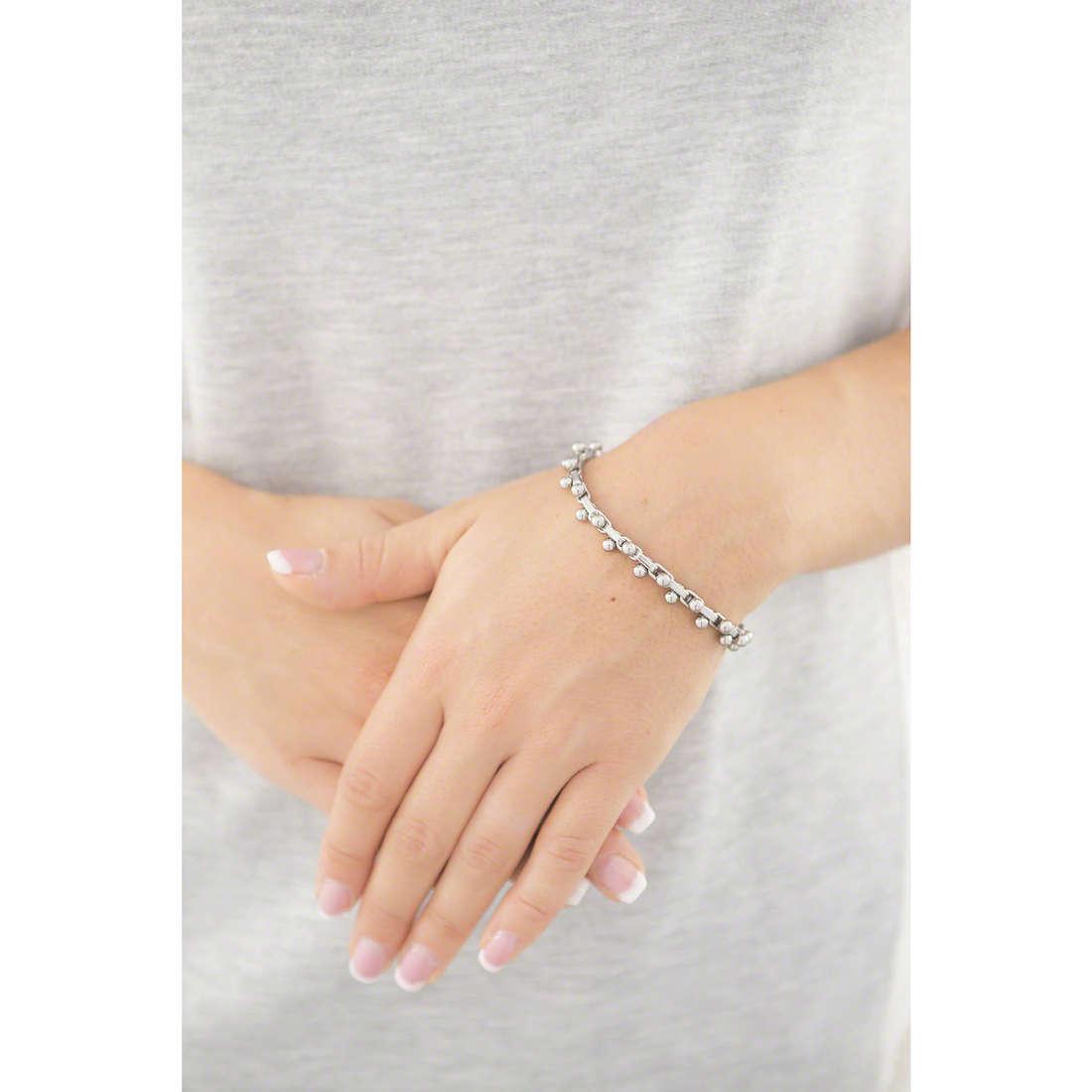 Emporio Armani bracciali donna EGS2244040 indosso