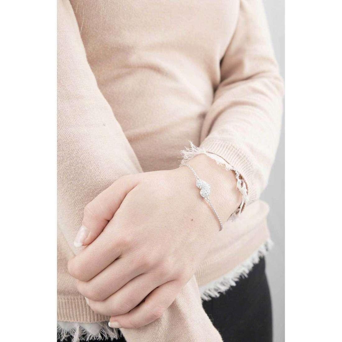 Guess bracciali basic instinct donna UBB51488 indosso