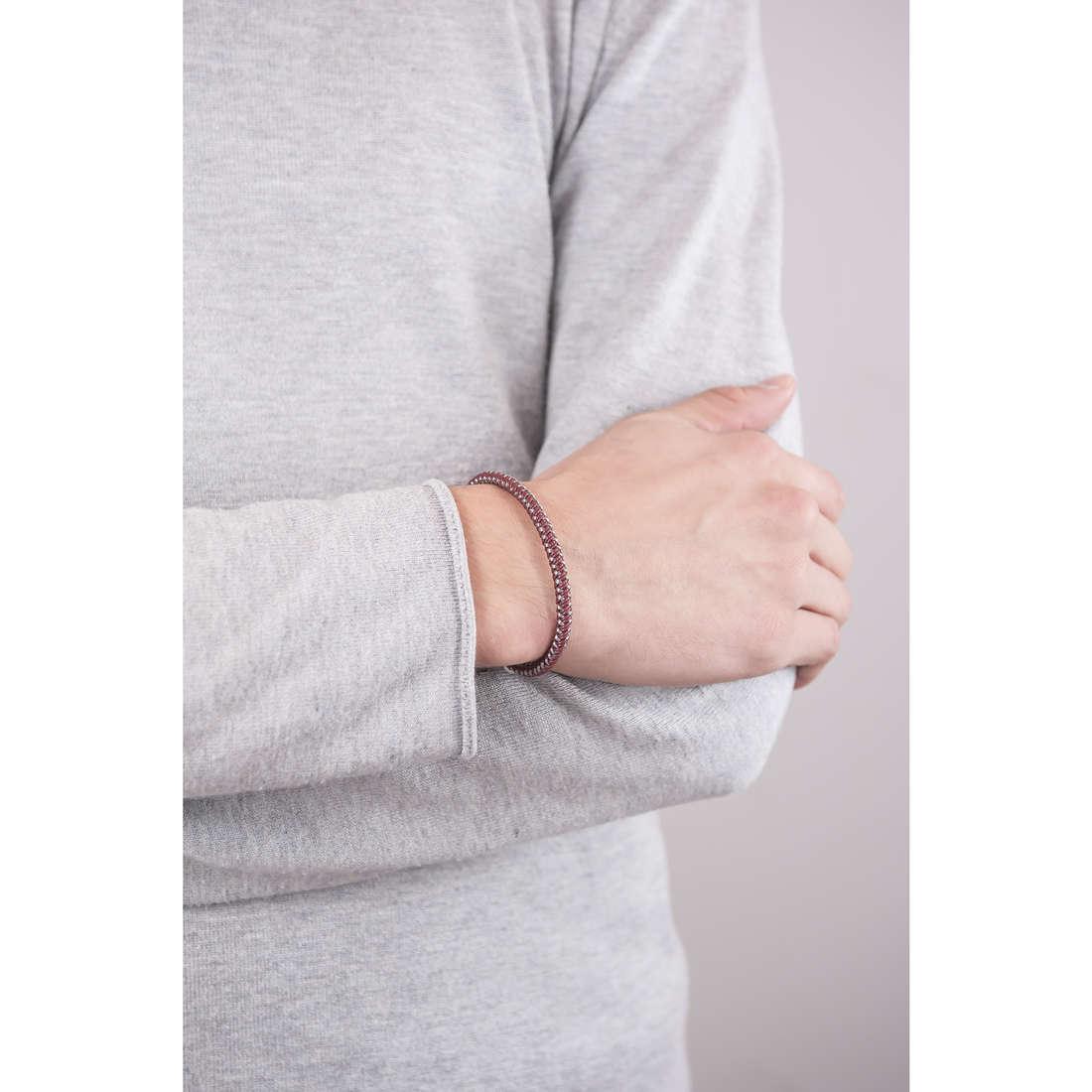 Breil bracciali B Hook uomo TJ1526 indosso
