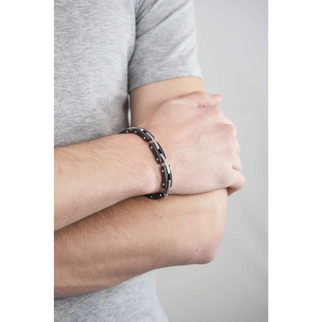 Breil bracciali Be Black uomo TJ1921 indosso