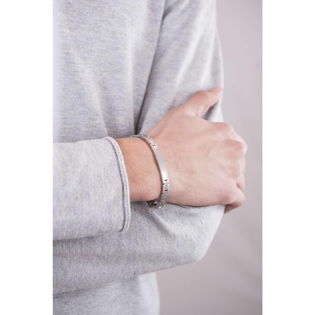 Breil bracciali Joint uomo TJ1275 indosso