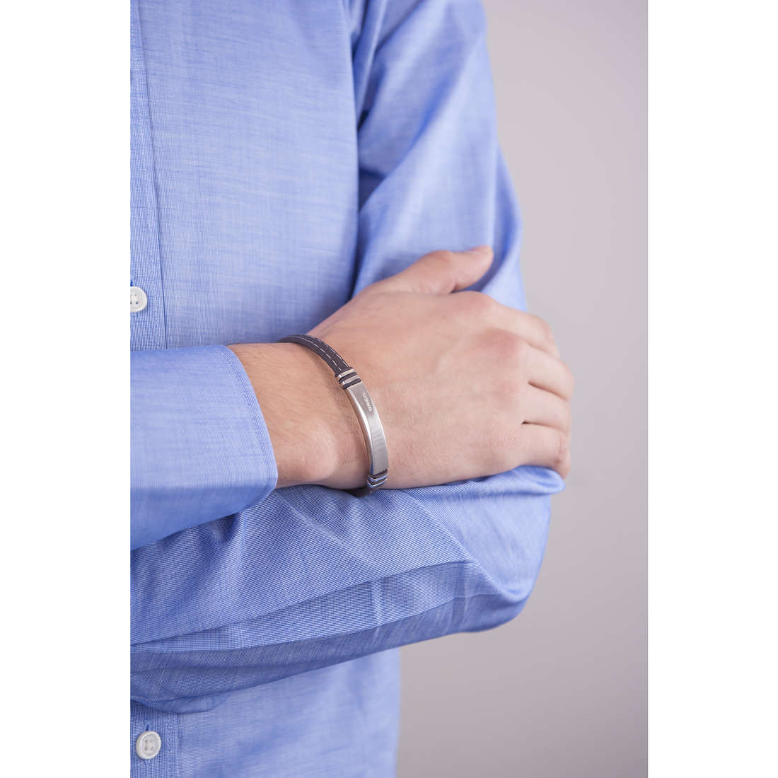 Breil bracciali uomo TJ1976 indosso