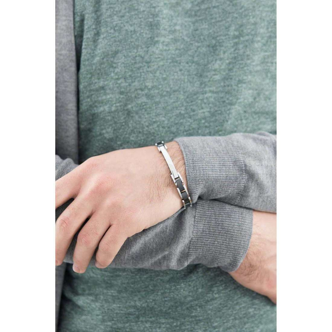 Brosway bracciali Elegance uomo BEG05 indosso