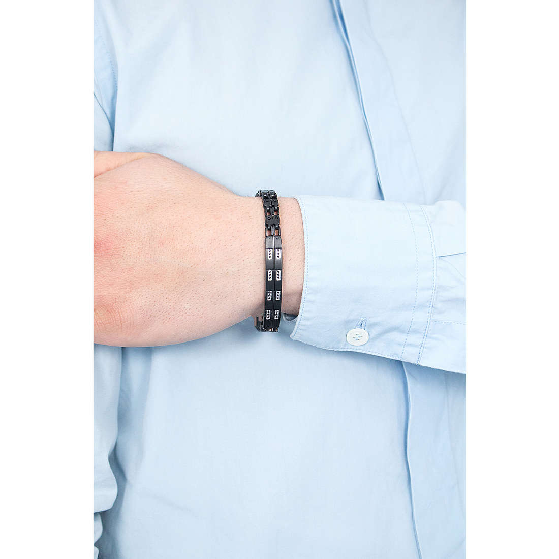 Comete bracciali Lux uomo UBR 431 indosso