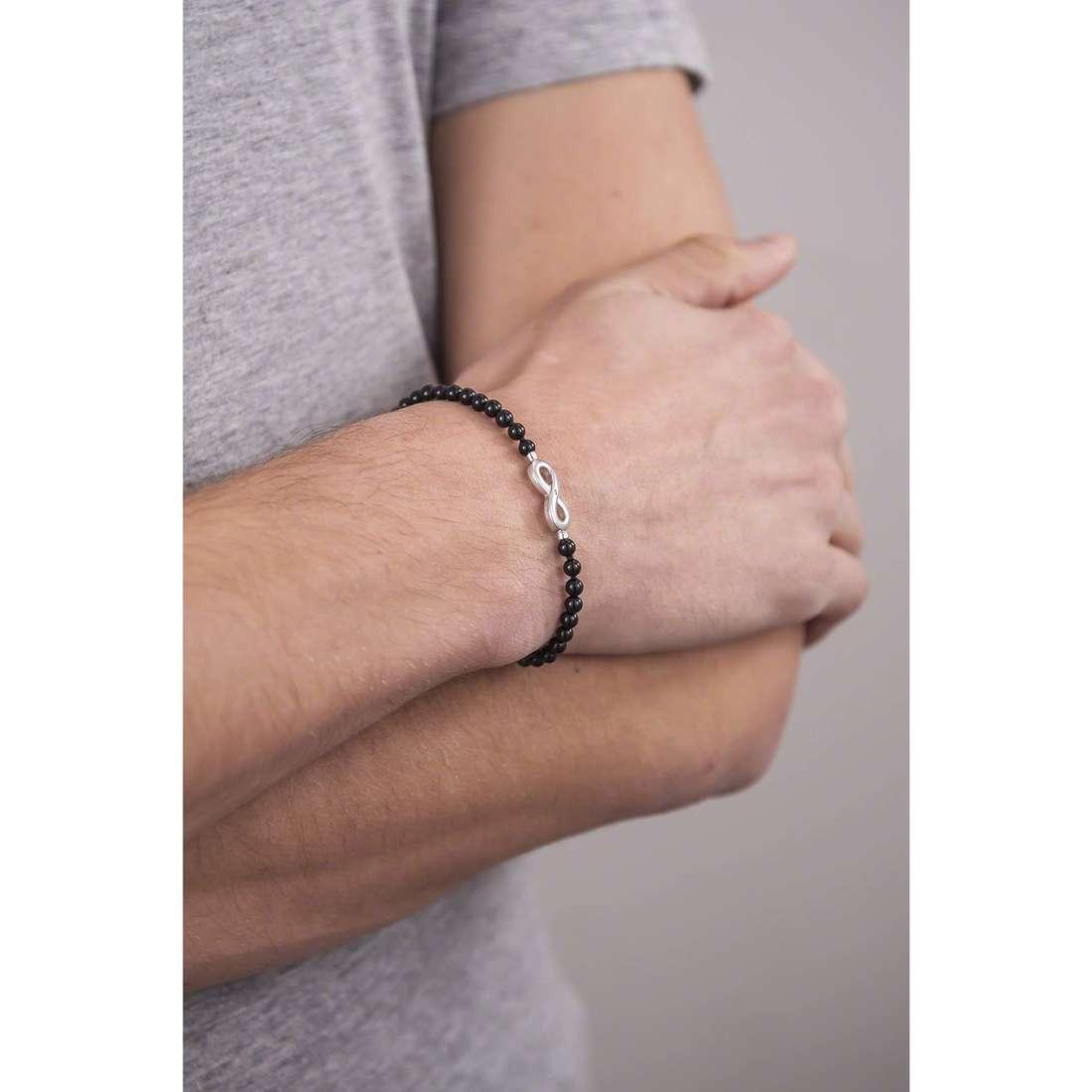 Comete bracciali Infinito uomo UBR 588 indosso