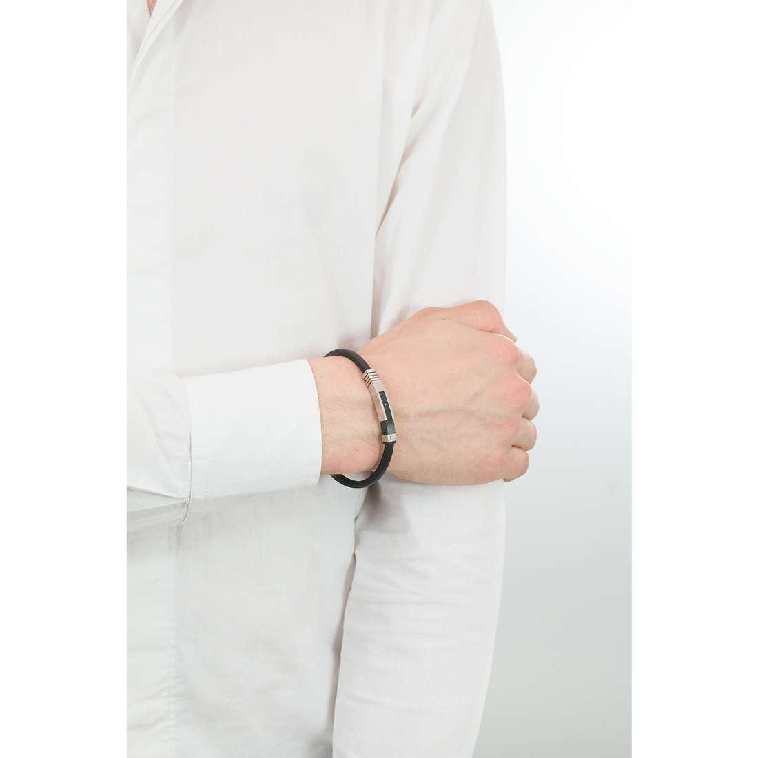 Comete bracciali Hug uomo UBR 668 indosso