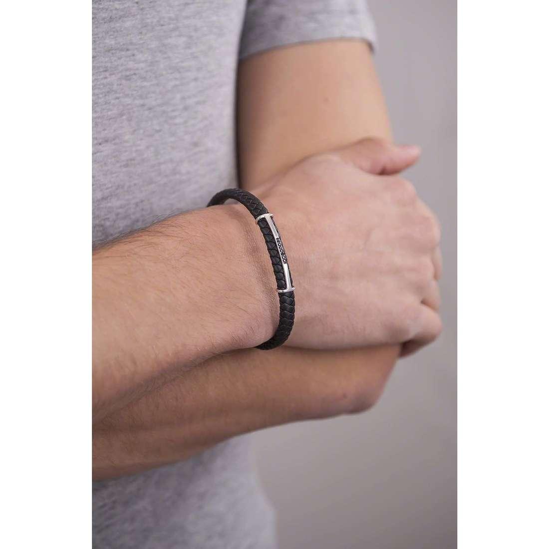 Comete bracciali Random uomo UBR 632 indosso