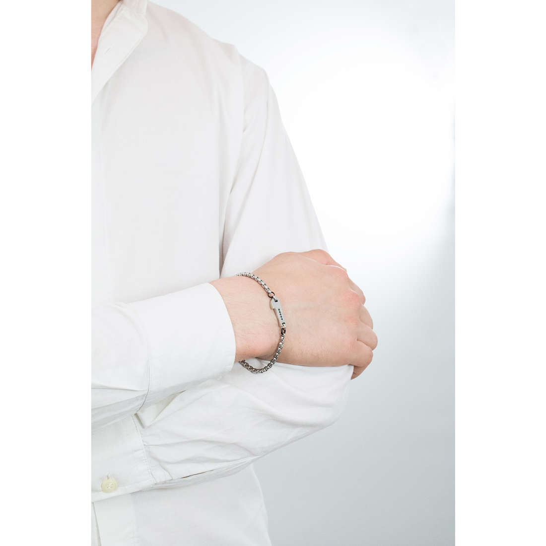 Luca Barra bracciali uomo LBBA488 indosso