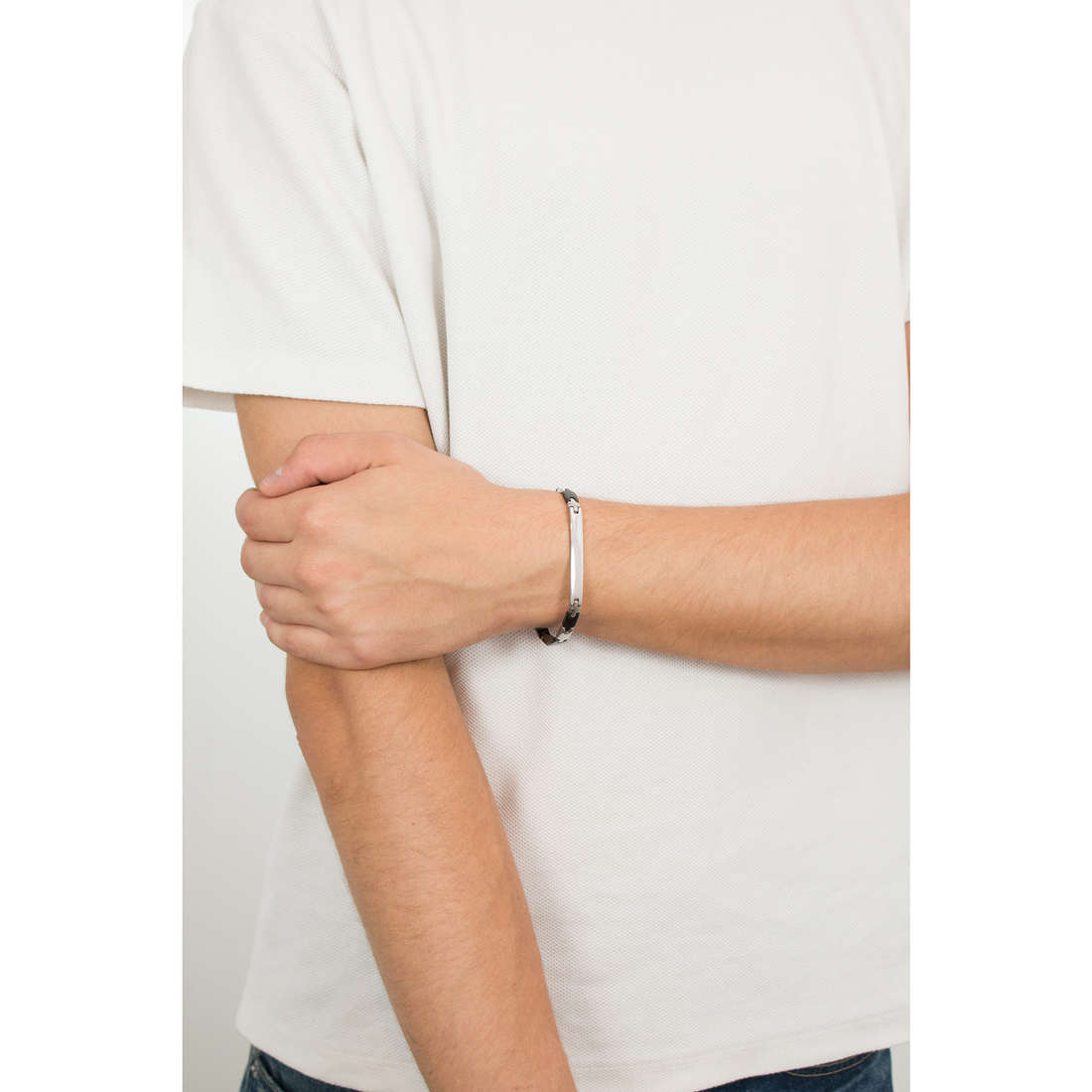 Luca Barra bracciali uomo LBBA506 indosso