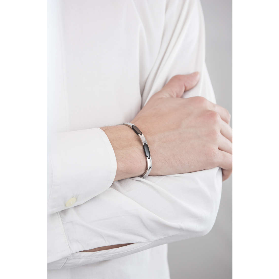 Luca Barra bracciali uomo LBBA555 indosso