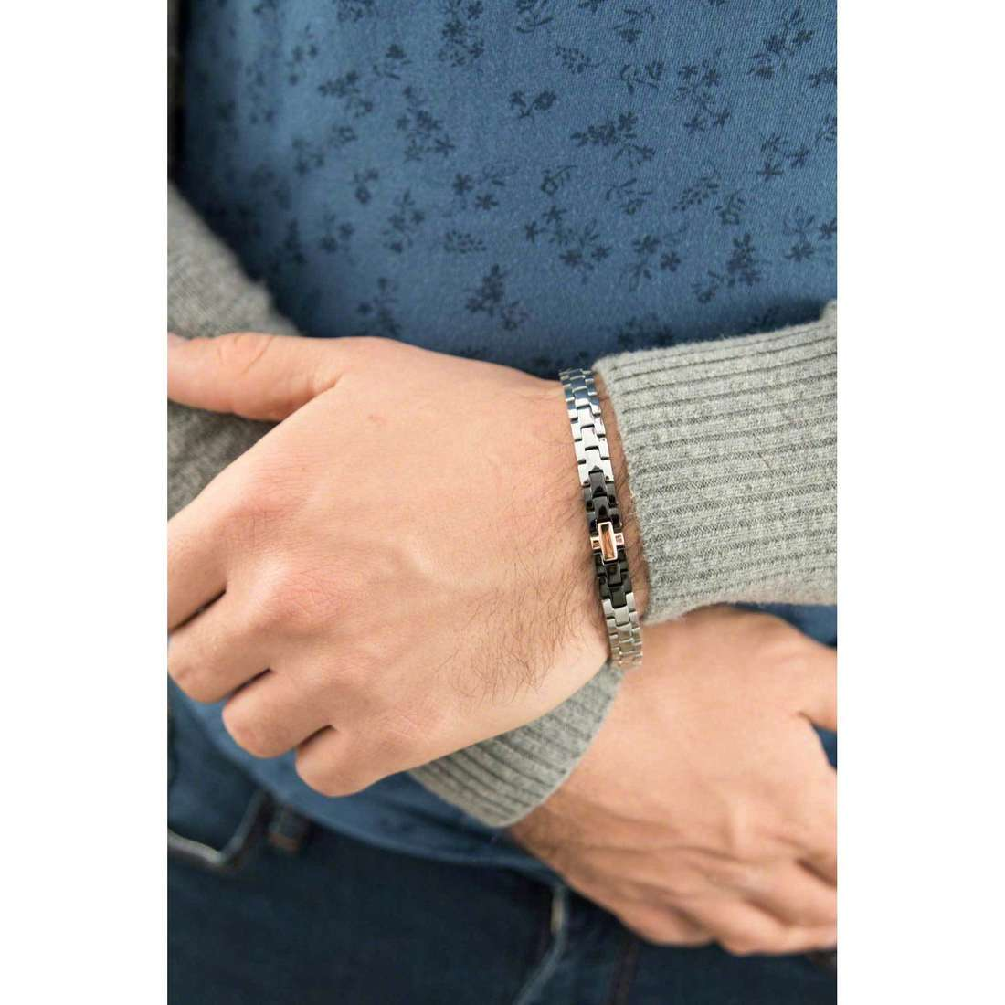 Luca Barra bracciali uomo LBBA630 indosso