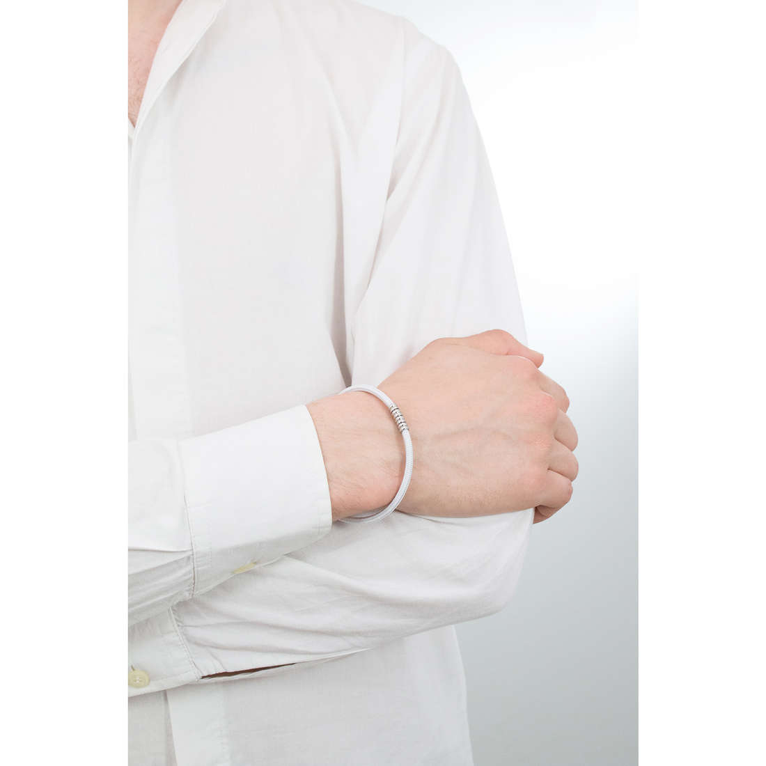Luca Barra bracciali uomo LBBA692 indosso