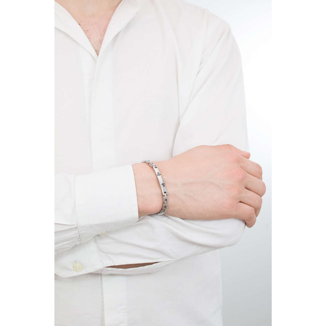 Luca Barra bracciali uomo LBBA716 indosso