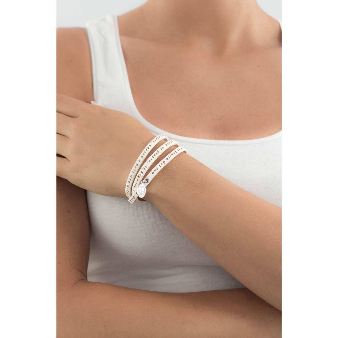 Amen bracelets Ave Maria Italiano femme AC-AMIT07-M-57 indosso