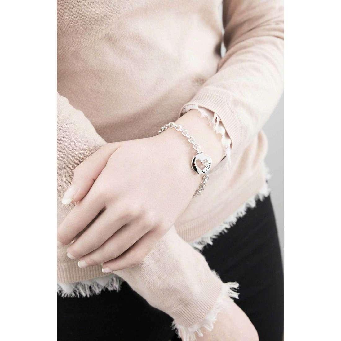 Guess bracelets G Girl femme UBB51434 indosso