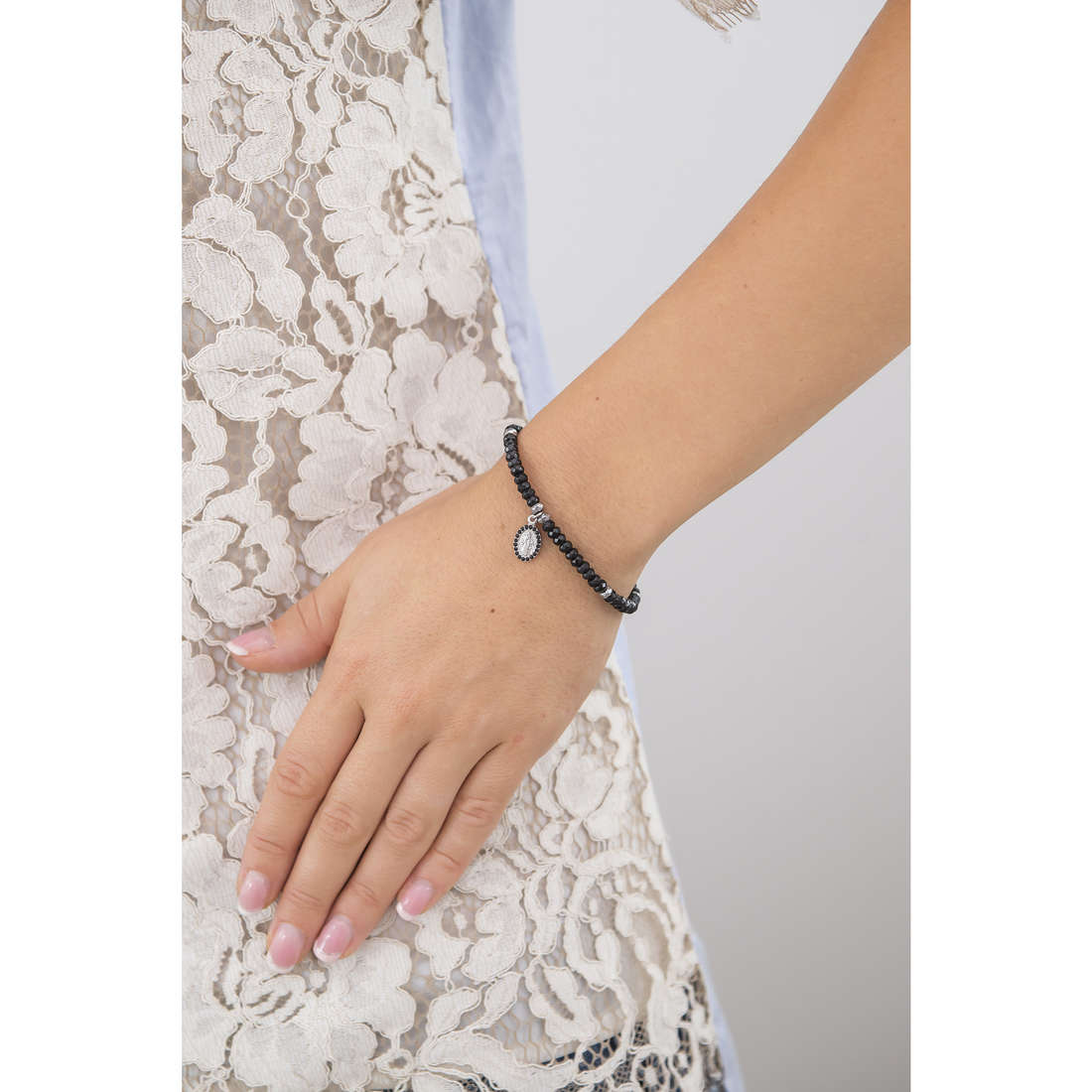 Marlù bracelets Sacral Dark femme 13BR038N indosso