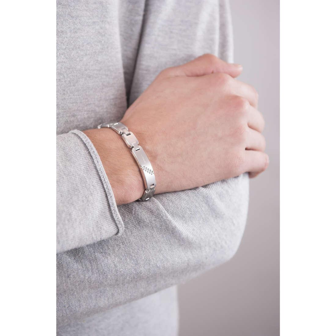 Breil bracelets Bodywork homme TJ1825 indosso