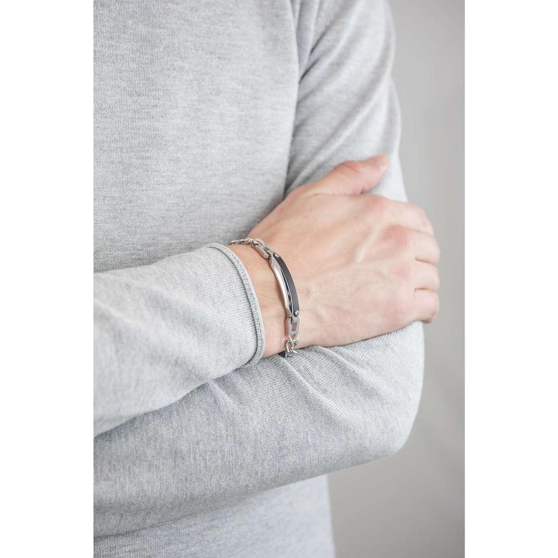 Brosway bracelets Medieval homme BMV12 indosso